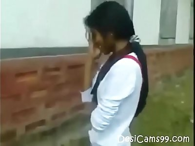 Desi Indian Girl Blowjob her BF Outdoor Hot