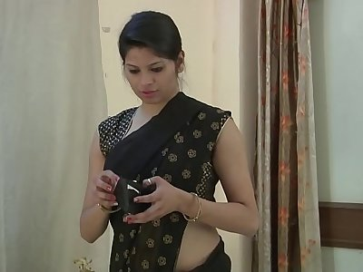 Indian Bhabhi Exposing Big Tits - HotShortFilms.com